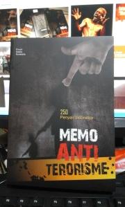 Cover Buku Antologi Puisi Memo Anti Terorisme
